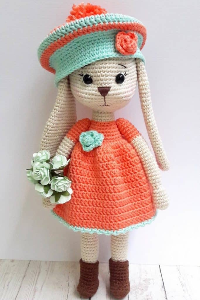 Lapin en crochet 28€ - KNITTING FAIRY FR