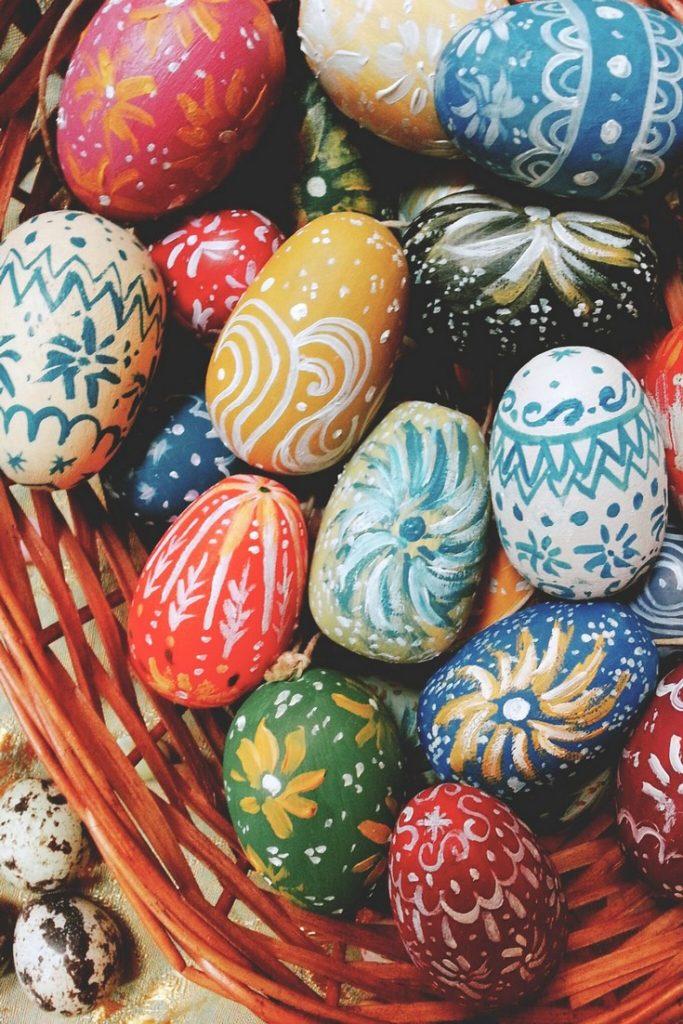 Oeuf de Pâques en bois peint à la main 5€90 - OLGA VALESKA