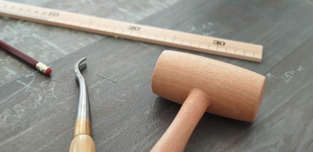 Dans l'atelier Ramponno - les outils du tapissier